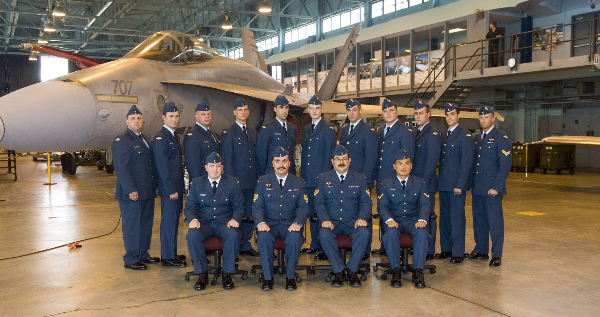 Graduates of the 2006 aviation technician course AVN 0607