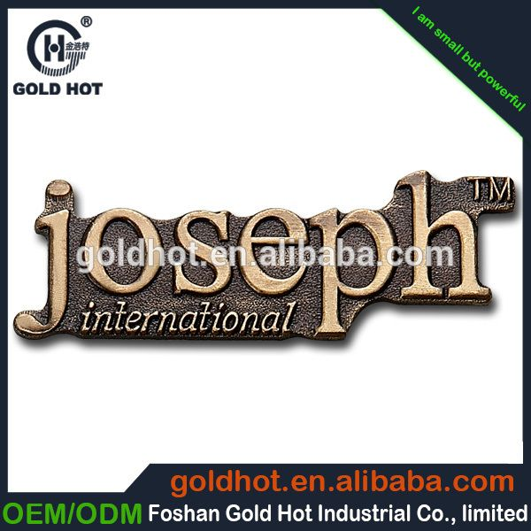 China cheap custom private 3M adhesive tape liquor labels,golden