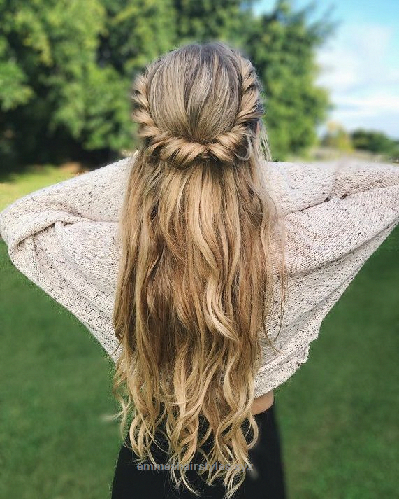 Fantastic Twists And Curls Half Up Half Down Hairstyle Easy Half Up Half Down Hairstyles Boho Hairst Hair Styles Easy Hairstyles For Long Hair Long Hair Styles