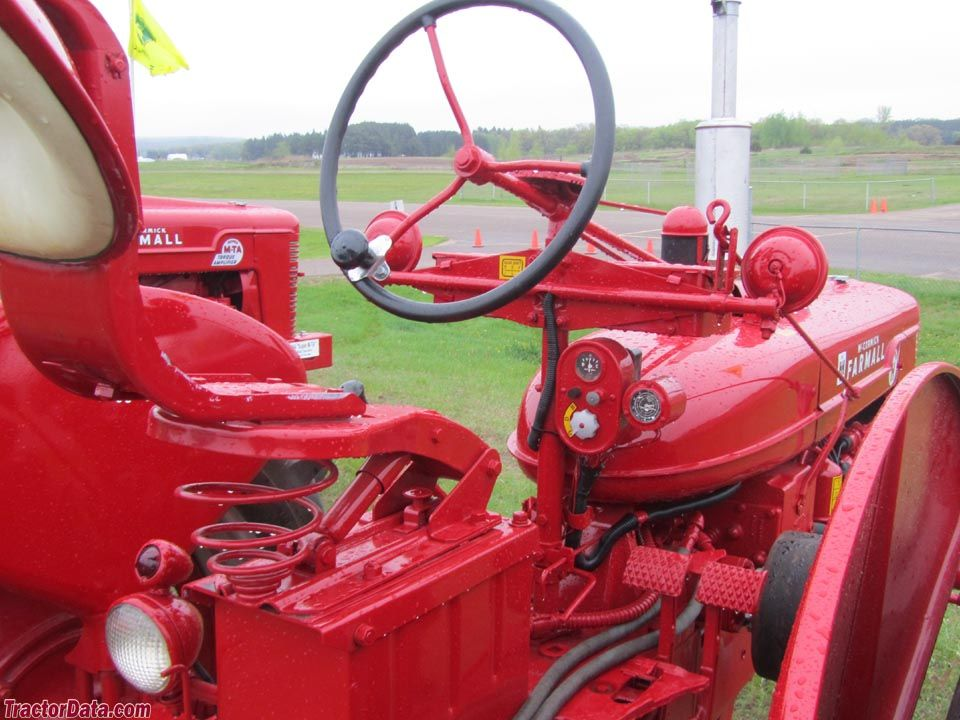 Farmall M Controls : Farmall super h operator station and controls tractors