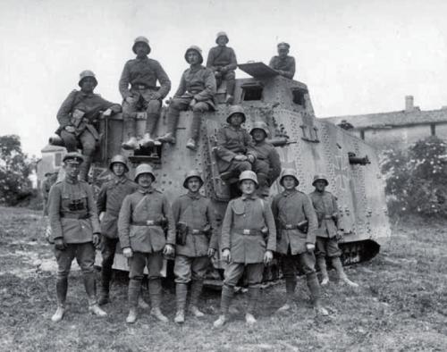 A7V Tank and crew | History Wars | Oorlog
