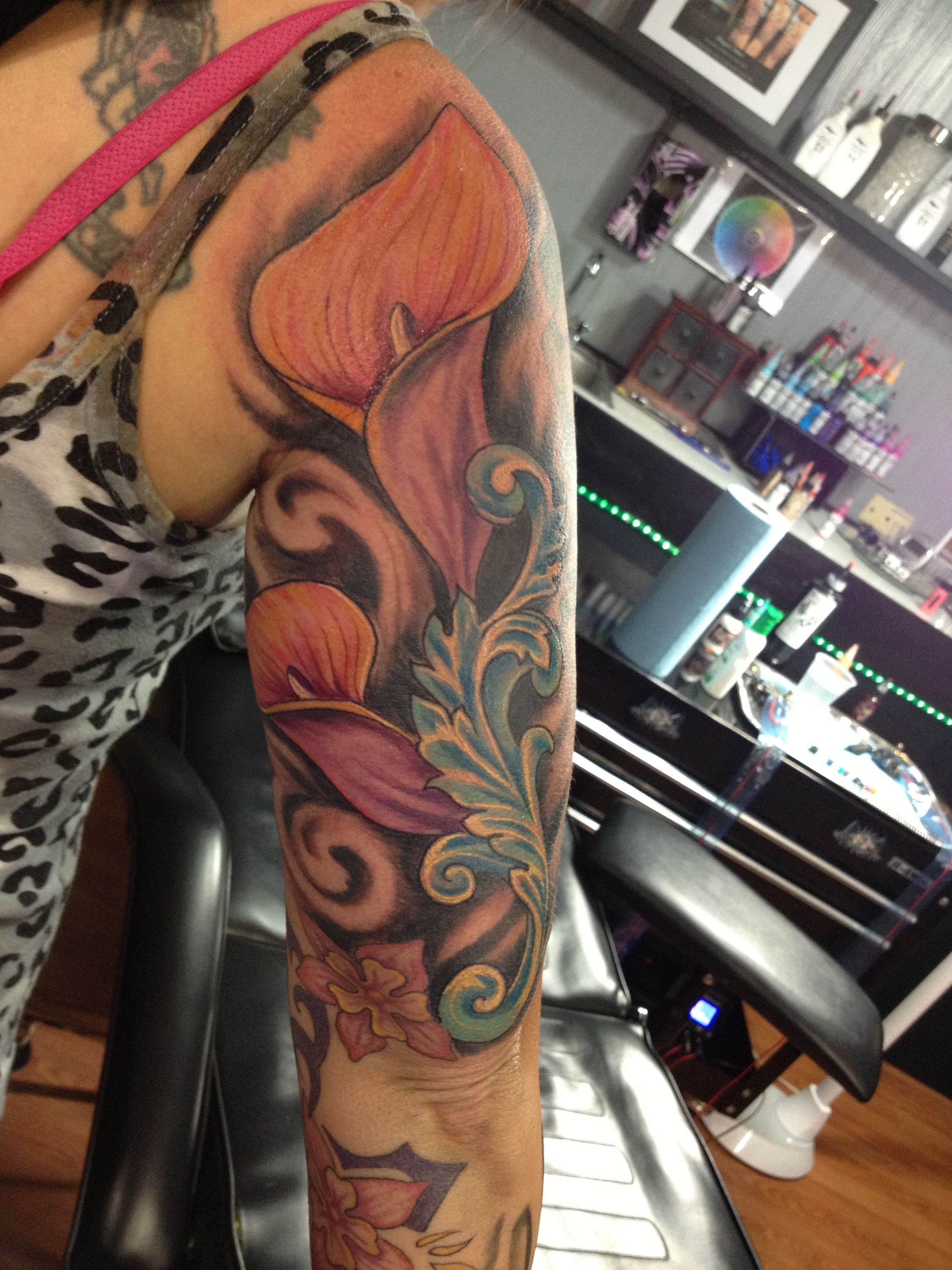 Calla Lily Tattoo With Images Calla Lily Tattoos Lily Tattoo Lily Tattoo Sleeve
