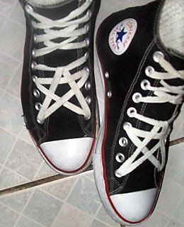 67bcaeb29985 Black Converse All-Stars with white   red trim and white combination of  Pentagram Lacing and Criss Cross Lacing (from Maki)