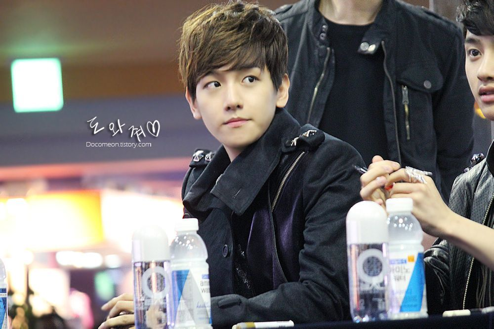 12.04.21 Fansign at COEX Center (Cr: 도와줘)
