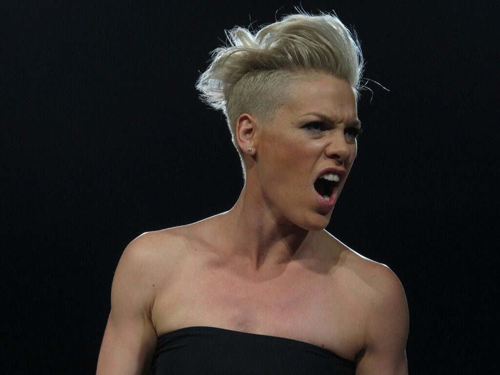 Celebrity Alecia Beth Moore naked (78 foto and video), Ass, Bikini, Instagram, braless 2006