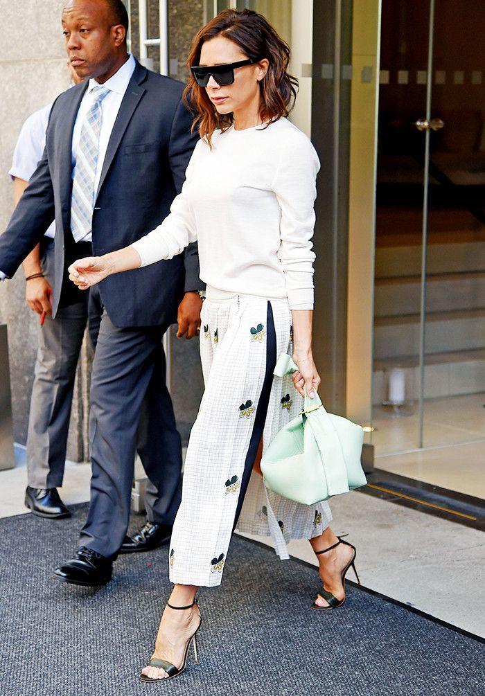 5cefea83b0e4 18 Victoria Beckham Style Secrets Anyone Can Copy | White outfit ...
