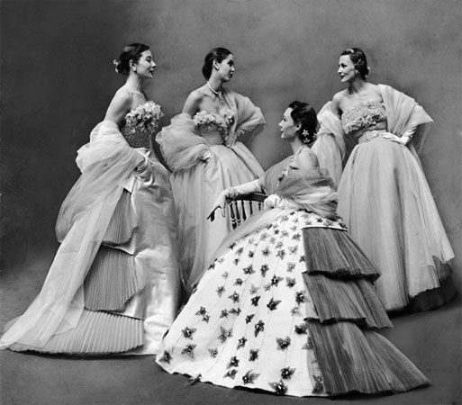 Tribute to Gordon Parks Gallery (Fashion - Ball gowns designed by Jacques Fath, Paris, 1950)
