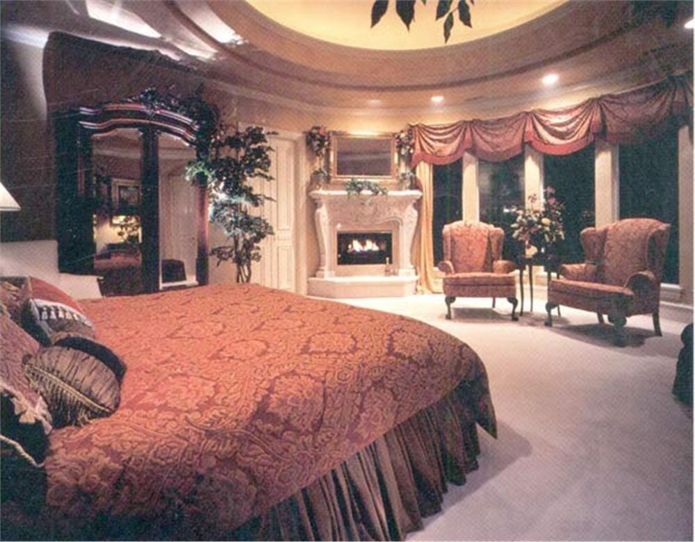 106-1273 master bedroom suite