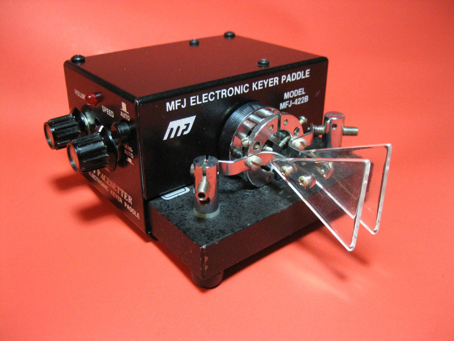 MFJ Electronic Keyer with Bencher BY-1 Iambic Paddle