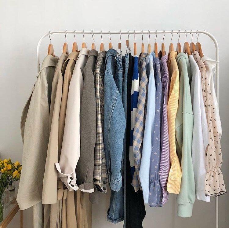 Gantungan Baju Minimalis