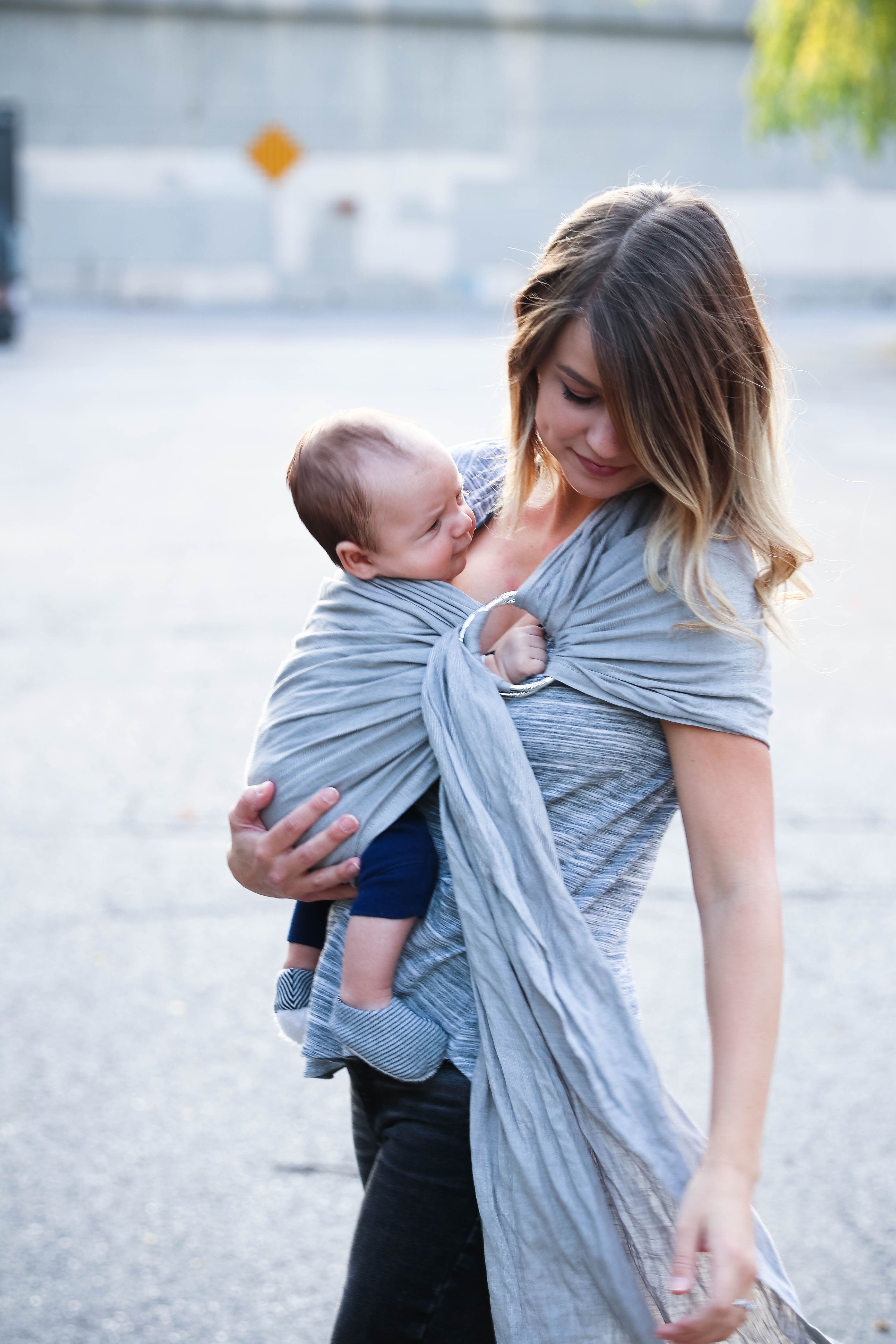 How to Wear Your Baby LILLEbaby ring sling Ring sling