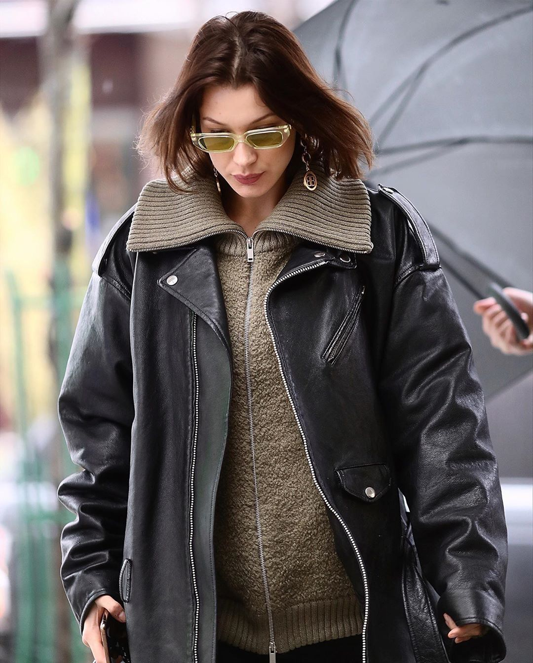 Pin By Realreckless On Gigi Bella Hadid Fashion Leather Jacket Celebrity Style [ 1344 x 1080 Pixel ]