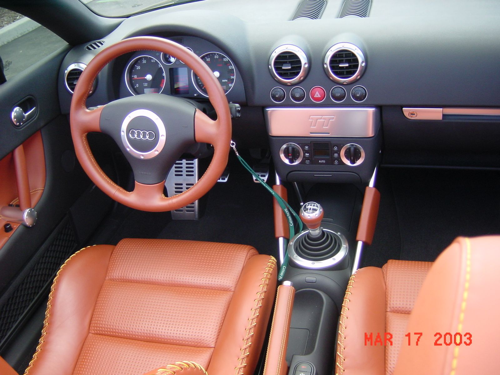 2000 audi tt roadster interior