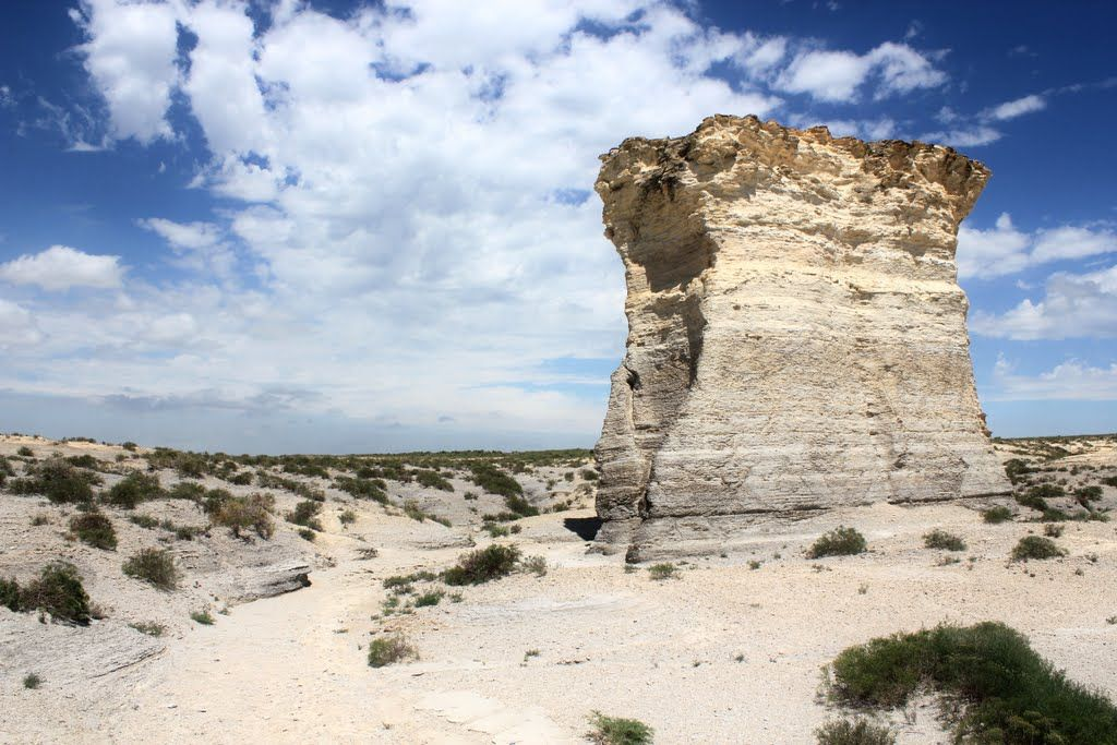 (424)The Great American Desert, Monument Rocks National Natural Landmark, Gove County, Kansas