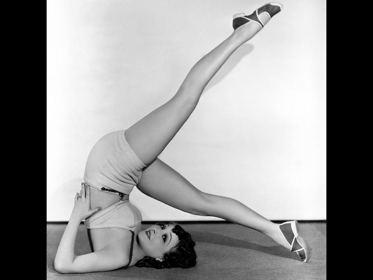 Las claves del yoga urbano de Lauren Imparato: la respiración cura cuerpo y mente Loved and pinned by www.downdogboutique.com