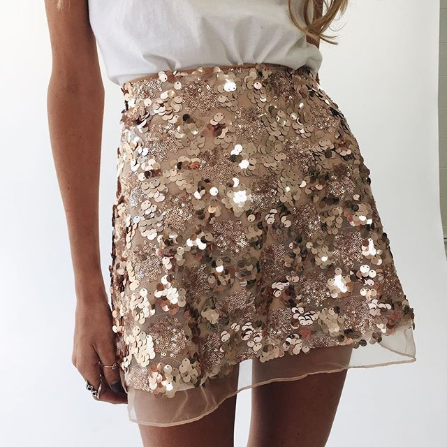 Gold Sequin Mesh Mini Skirts Christmas Chic High Waist Skirt Zipper Casual Short Party Beach Black Skirt Assk20005 Size S Color gold #silvesteroutfitdamen