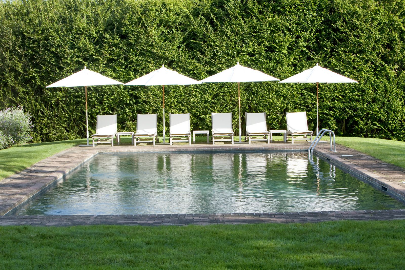 Jardines Modernos Con Piscina Family Friendly In The Country Outdoor Living Lounging