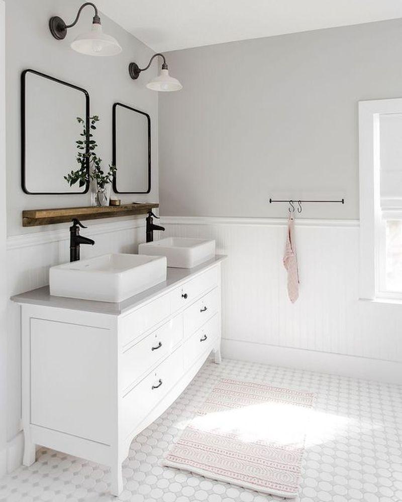 25 Ruhige Weisse Badezimmer Design Ideen Die Von Visuellem Interesse Sind Badezimmer Design Badezimmer Streichen Badezimmereinrichtung