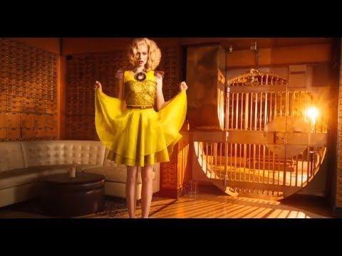 High Fashion Photography Part 2: Fashion Retouching PRO Tutorial - YouTube