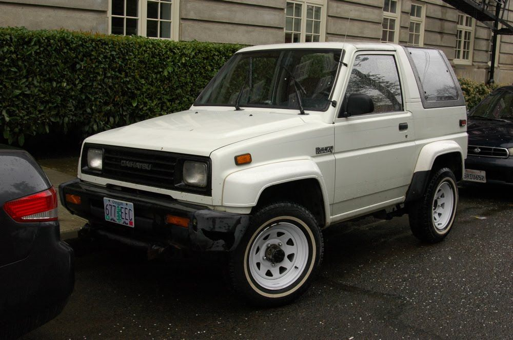 OLD PARKED CARS.: 1991 Daihatsu Rocky. | Expedition Campers ...