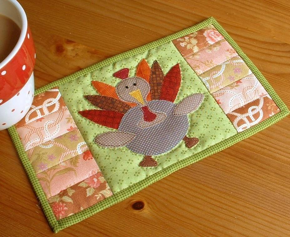 Thanksgiving Turkey Mug Rug   Thanksgiving turkey, Thanksgiving ... : free thanksgiving quilt patterns - Adamdwight.com