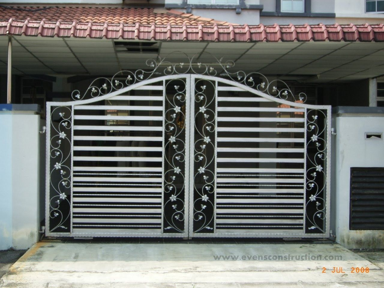 Compound wall gate designs kerala