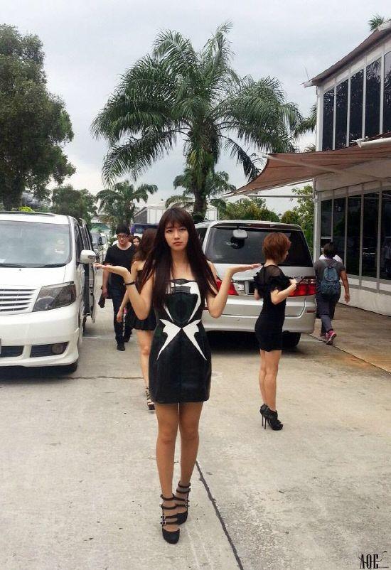 """수지 실제비율, 잘록 허리+늘씬 각선미 """"마네킹이 서있는 줄"""" - 일간스포츠 @missA_suzy #숮이"""