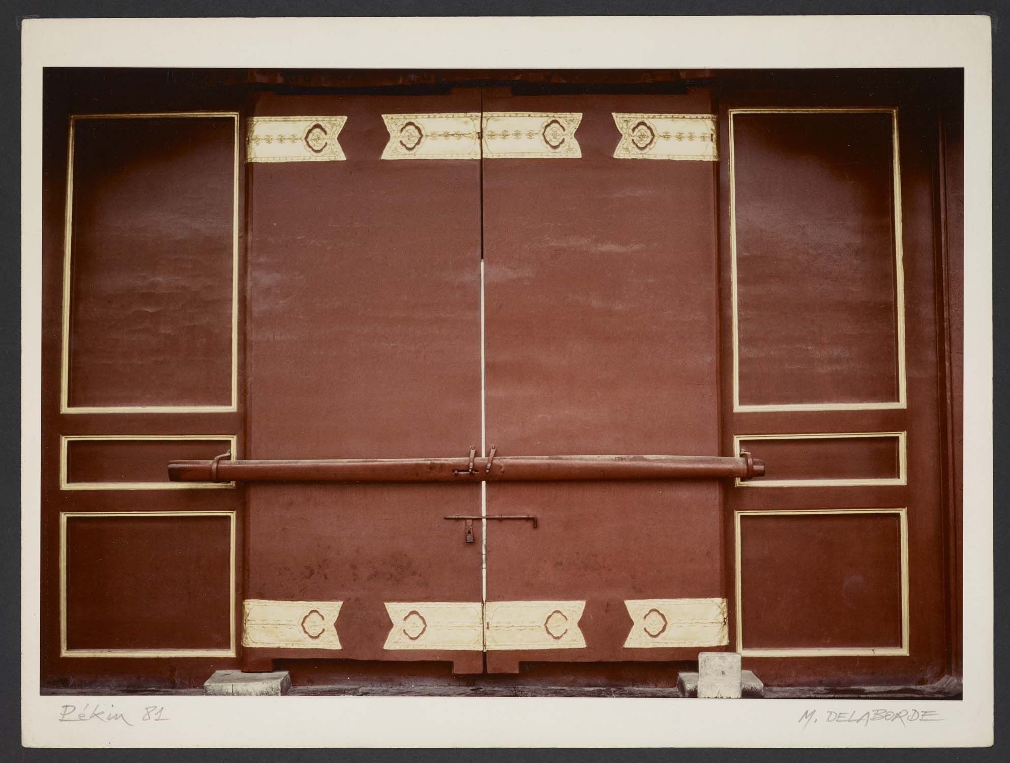 Michel Delaborde, Beijing (Pékin), (porte) 1981. © Ministère de la culture (France), Médiathèque de l'architecture et du patrimoine, Diffusion RMN-GP