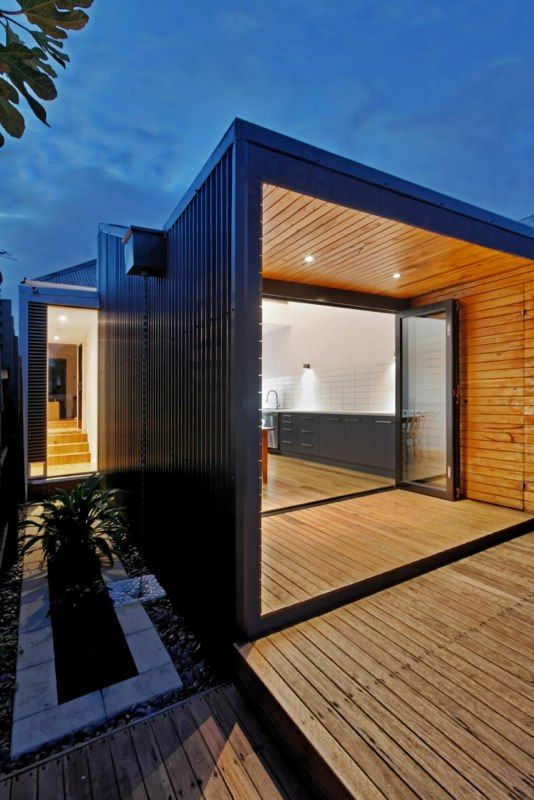 A simple, small, south facing extension at the rear of a - extension maison prix au m