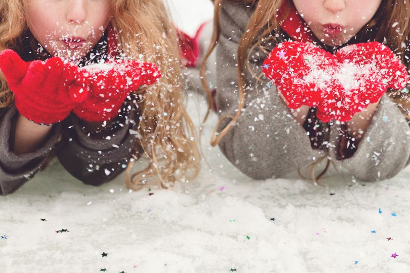 I'd love this for a pic with my best friend...... if only it truly snowed here:/