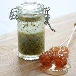 Salatsoßen: Honig-Senf-Dill-Dressing