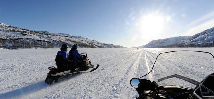 Motonieves en un viaje a Noruega