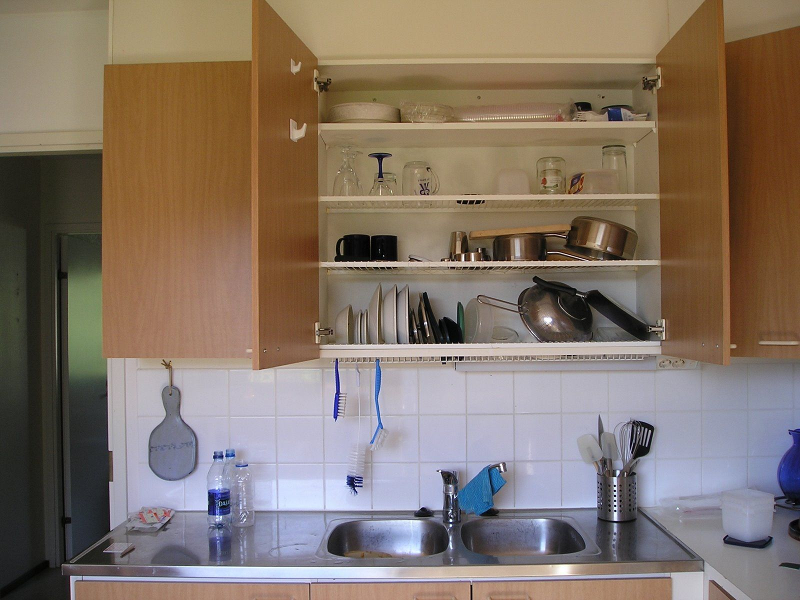 Finnish Concealed Dish Drying Cabinet Or Astiankuivauskaappi Better Than A Dish Rack Dish Rack Cabinet Dish Racks Dish Rack Drying