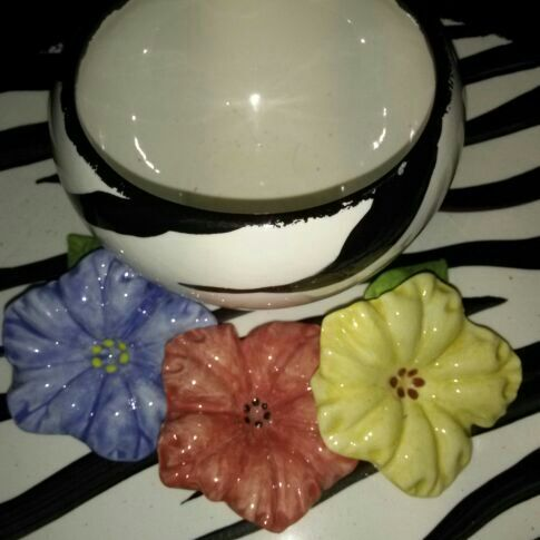 Beautiful platter attatched bowl flowers