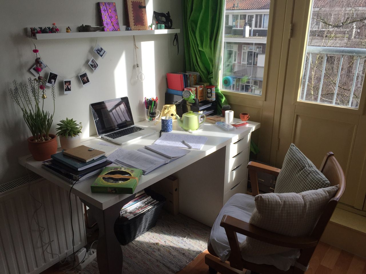studyspiration | Cozy desk, Grunge bedroom, Diy apartments