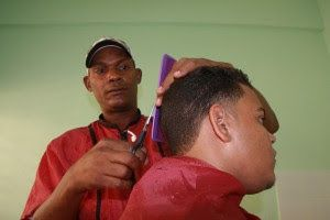 Armario de Noticias: Un liceo con su propio barbero para los estudiante...
