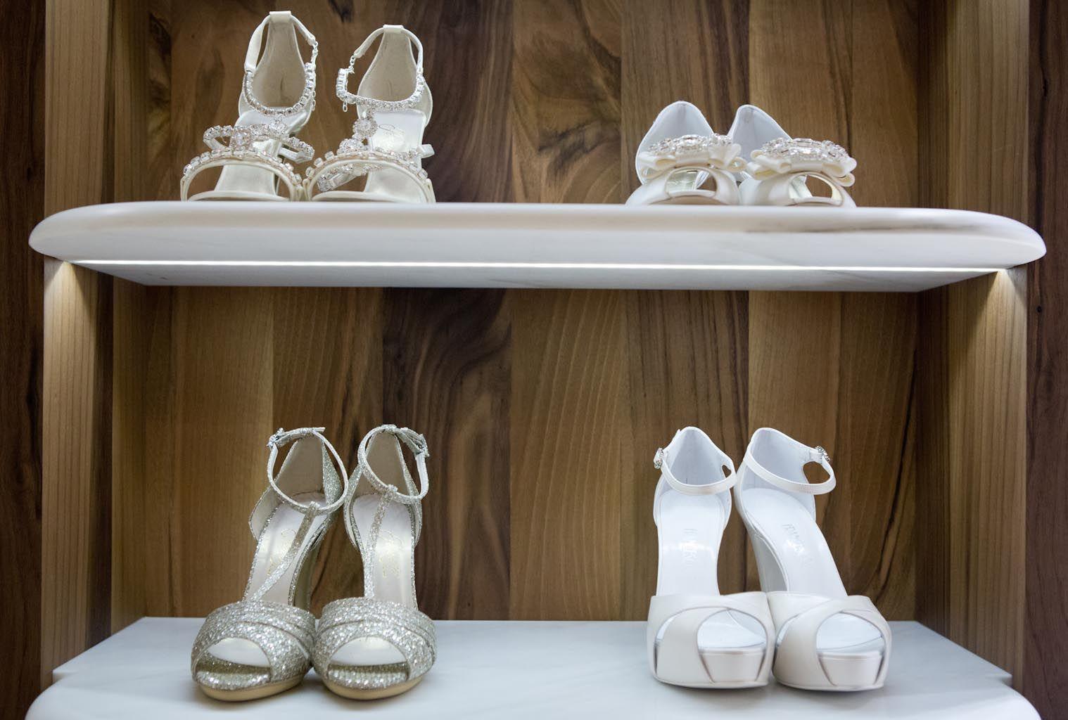 Scarpe Da Sposa Torino.White Le Spose Torino Abiti Da Sposa Calzature Scarpe Spose