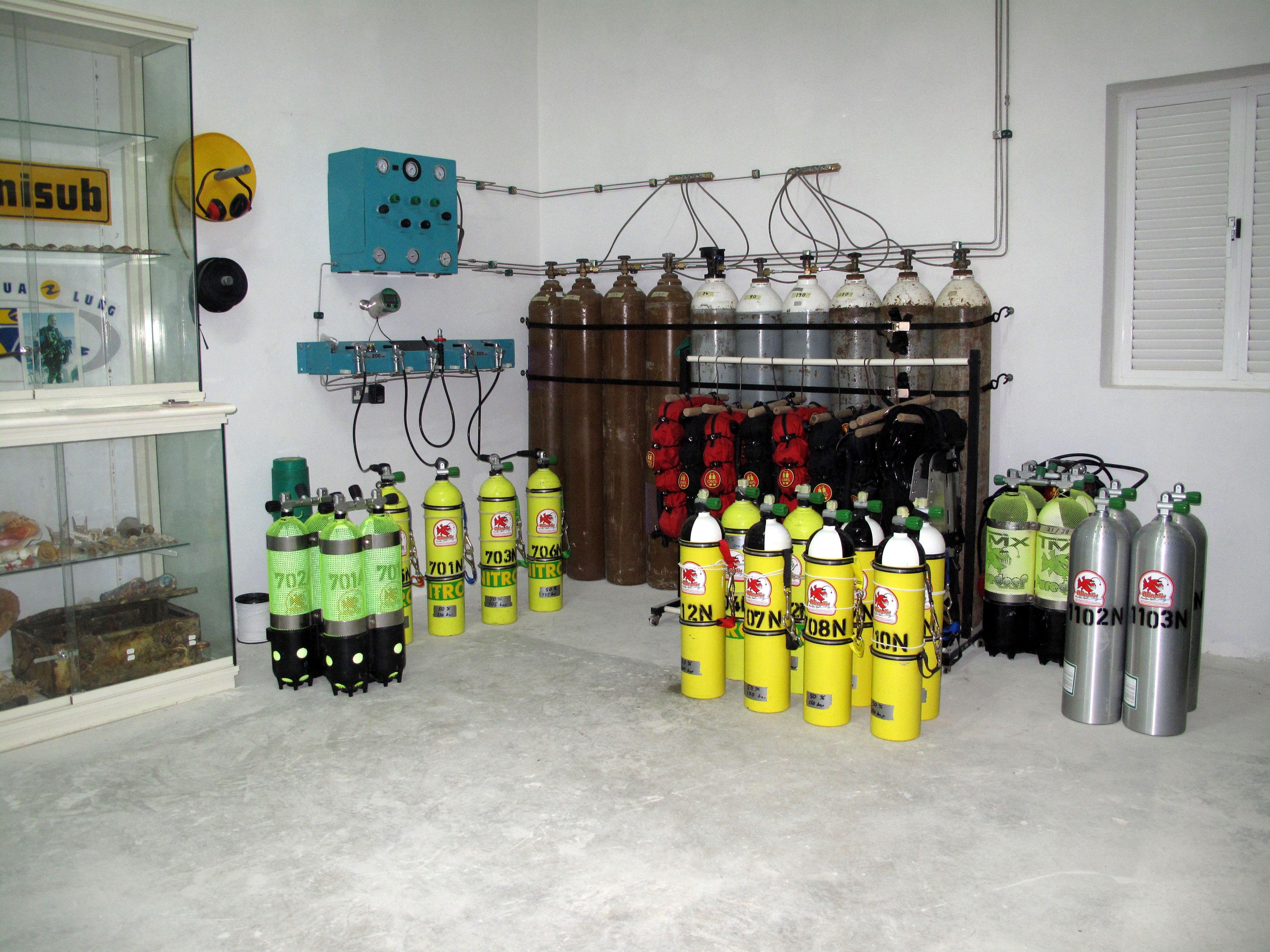 Atlantis Diving Centre Tek Corner Trimix Deco Gas Filling Station Duiken