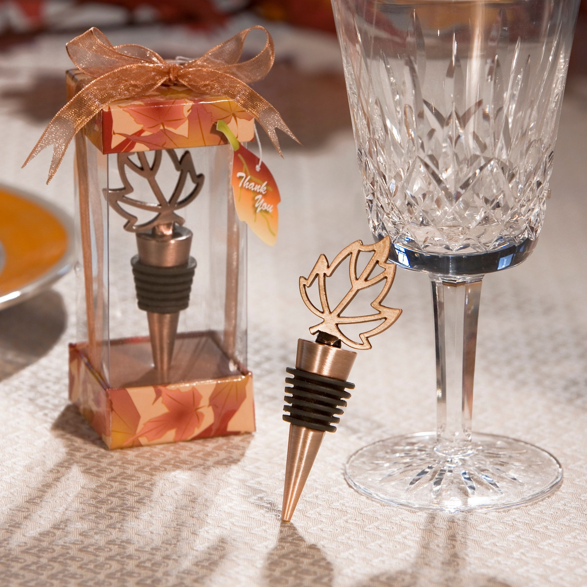 Leaf Bottle Stopper Wedding Favor | #exclusivelyweddings    More Wedding Favors at: www.RealWeddingDay.com