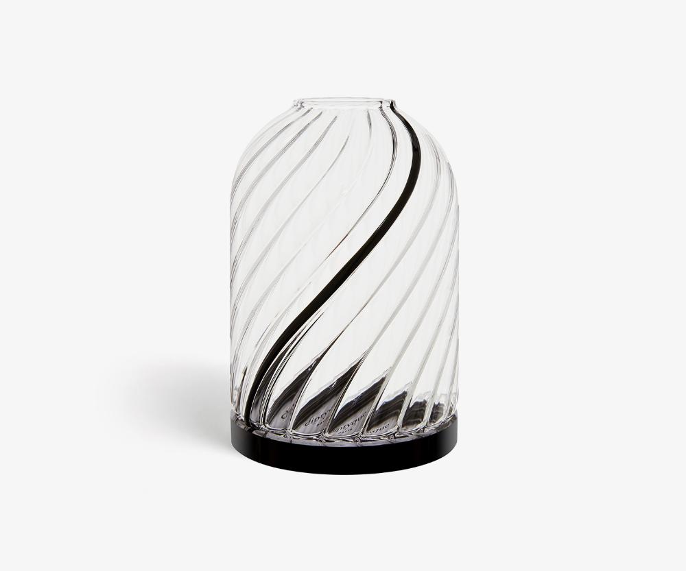 Windlicht Torsades Geschwungene Rippen Fur Klassische Kerze In 2020 Classic Candles Glass Candle Holders