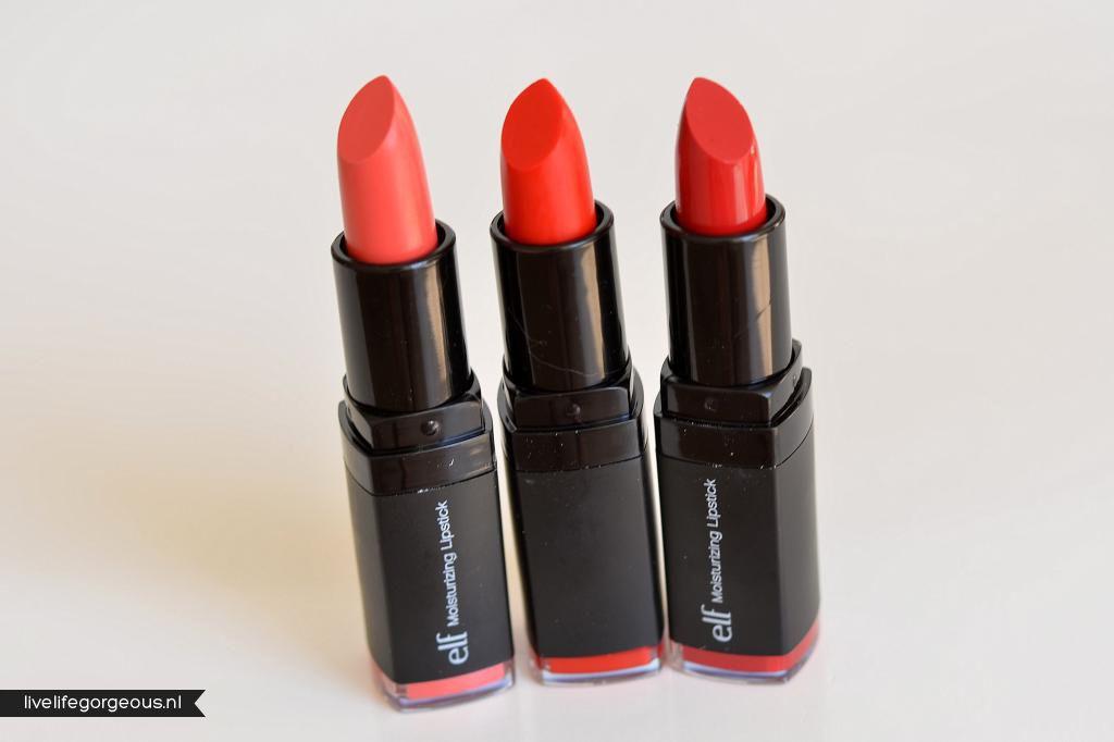Coral Cutie (#82634) - Velvet Rope (#82639) - Red Carpet (#82640) http://www.eyeslipsface.fr/produit-beaute/rouge-a-levres-hydratant-studio