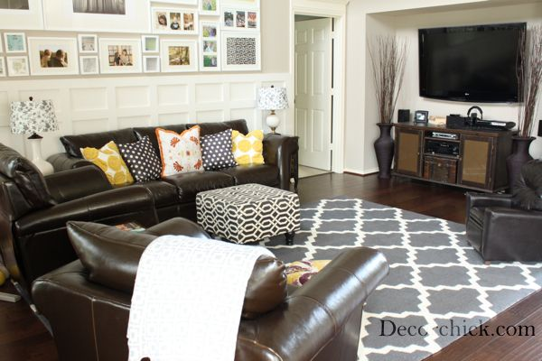 Living Room Gallery Wall And Love The Tv And Console