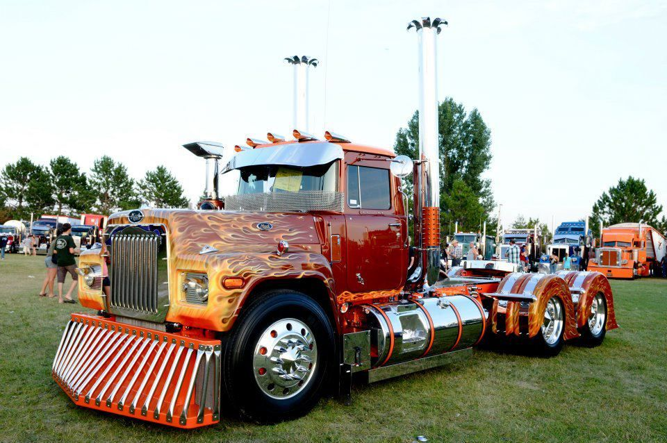 Like The Cow Catcher Rig Trucks Show Mack Custom