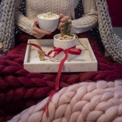 Photo of Wolldecke Cosima Chunky Knit groß 130x180cm, Bordeaux