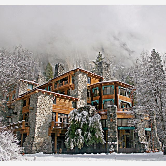 The Bracebridge Dinner At The Ahwahnee A Christmas: ESSENCE Inspiration