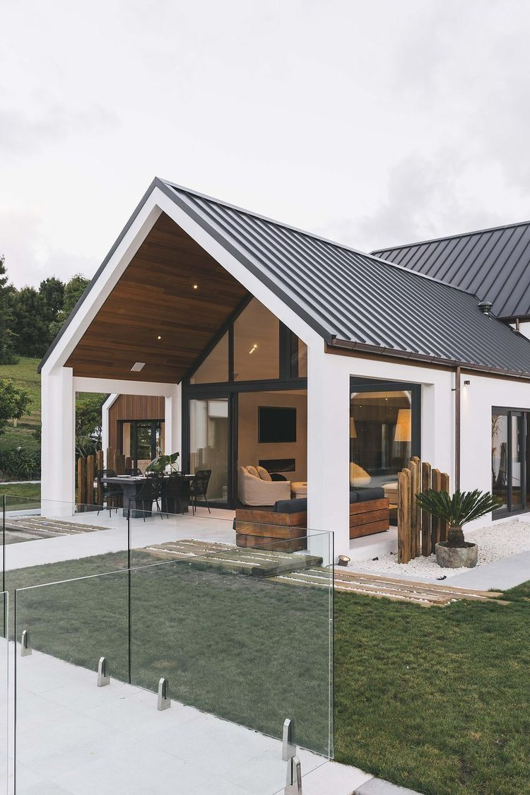Pin by franielle on home House exterior, Flat roof