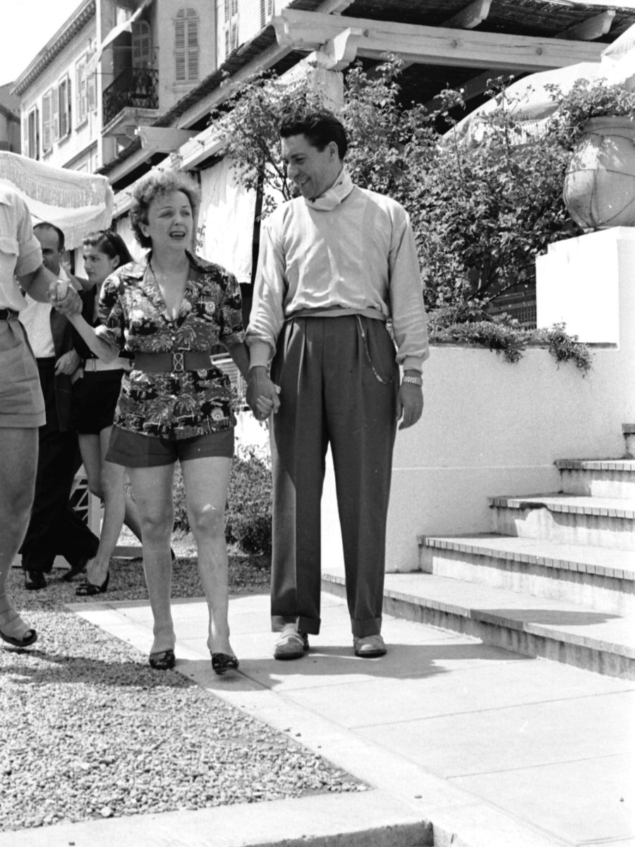 Edith Piaf y Jacques Pills in Cannes 50s