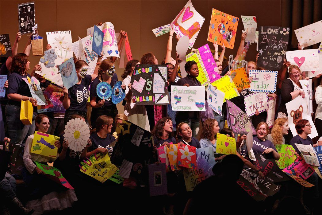 After each class' skit during Fall Fest, students take a moment to show love to their Big/Little Sis.