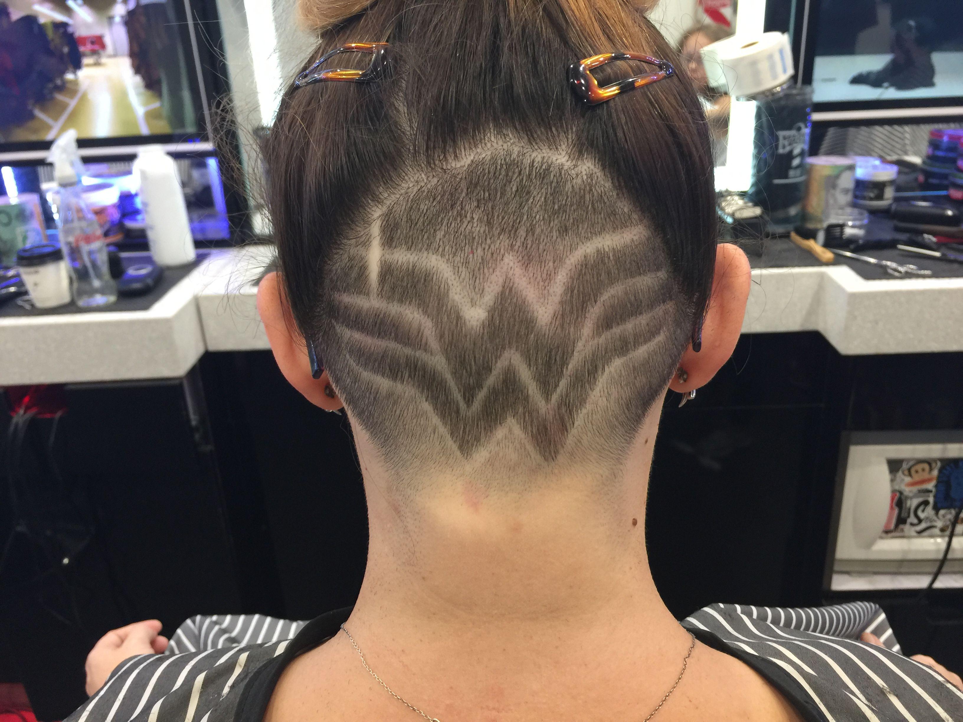shaved Wonder woman
