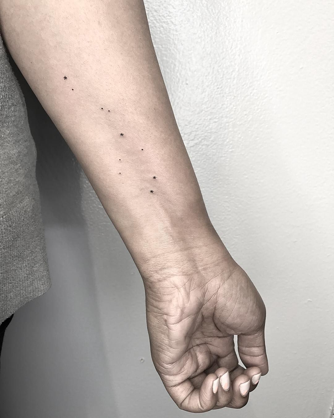 75 Suuuuuuuper Tiny Tattoos That Even Your Grandma Will Approve Of
